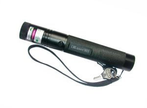 200mw 532nm Adjustable Focus Green Laser Pointer Lighting Matches (LM-303)