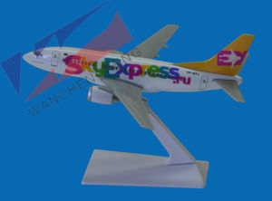 Plastic Plane Model (B737-300) pictures & photos