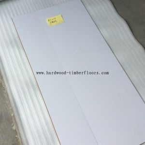 Guangzhou Factory Hotsale White Laminate Wood Flooring pictures & photos