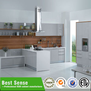 Guangzhou Large Kitchen at Factory Discount Price pictures & photos