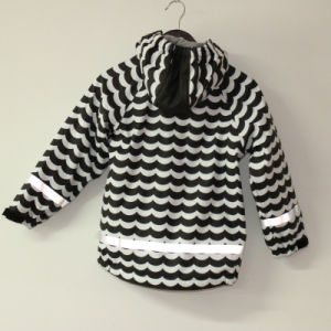 Wave Black/White Reflective PU Rain Jacket/Raincoat pictures & photos