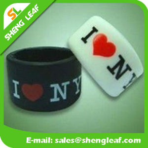 Personalized Fashion Advertising Colorful Silicone Finger Rings (SLF-SR023) pictures & photos