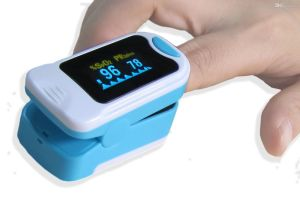 Heart Rate Monitor Ce Fingertip Pulse Oximeter pictures & photos