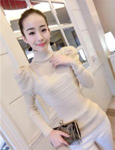 T1113 Pullover Skinny Sweater with Puff Sleeve for Ladies pictures & photos