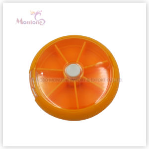 9*9*2.2cm Travel Portable Medicine Organizer, Plastic Storage Rotating Weekly 7 Days Pill Box pictures & photos