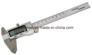 150mm Plastic Electronic Digital Caliper pictures & photos