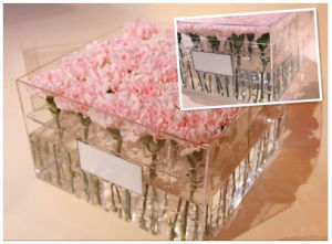 Custom Square Acrylic Flower Box with Lid pictures & photos