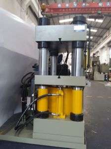 Paktat 300ton Upstroke 4 Post Hydraulic Press Machine pictures & photos