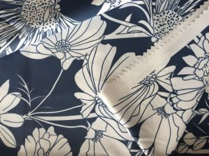 Flower Printed Polyester Fabric for Women Down Jackets pictures & photos