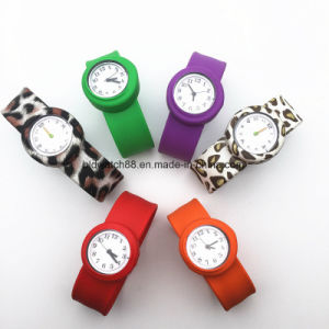 Children′s Small Slap Watch Kids Sport Quartz Teenager Watch Jelly Novel Watches pictures & photos