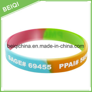 China Manufacture Custom Pattern Silicone Wristband for Export pictures & photos