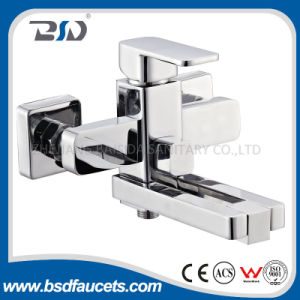 Revolving Aerator Brass Square Bath Shower Faucet pictures & photos