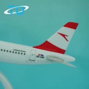 Professional A321 Austrian 22cm Plastic Plane Model Scale 1/200 Air Plane pictures & photos