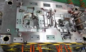 Auto Plastic Mould pictures & photos