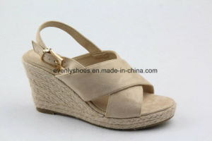 Colorful Fabric Upper Fashion Sandal Women Shoes with Wedge pictures & photos