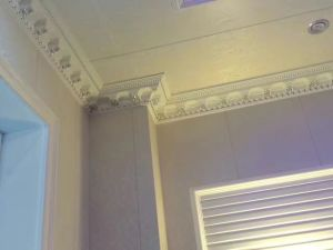 High Desity Nice Surface PU (polyurethane) Crown PU Cornice Moulding for Ceiling Decoration pictures & photos