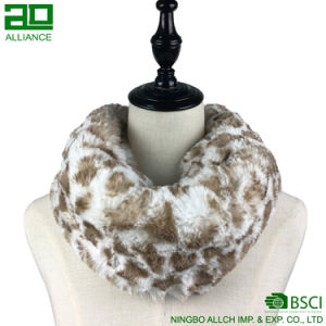 Leopard Faux Fur Infinity Scarf pictures & photos