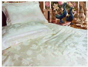 4PCS White Jacquard Satin Bedding Set Duvet Cover pictures & photos