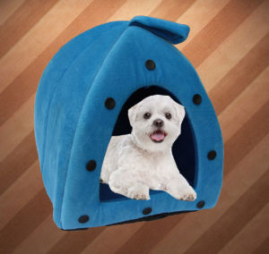 Cute Pet Dog House with Heating Pad pictures & photos