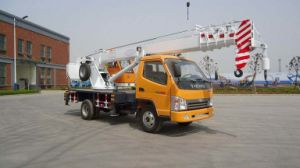 Small China 7000kgs Wheel Tire Truck Crane pictures & photos
