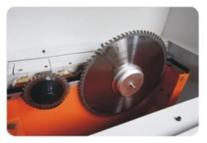 High Speed Intelligent Computer Panel Saw Machine pictures & photos