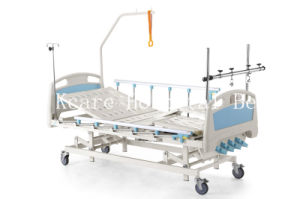 Four-Cranks Foot Seperately Tilting Manual Orthopedics Traction Bed pictures & photos