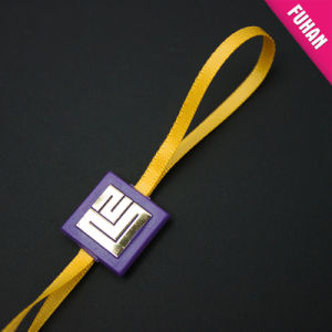 High Quality Luxury Ribbon String Plastic Seal Tag pictures & photos