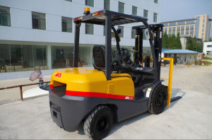 Cpcd30t Same as Tcm Forklift Truck with Japanese Isuzu/Mitsubishi Engines pictures & photos