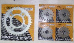 Rear Sprocket for Motorcycle Suzuki Gn125HS pictures & photos
