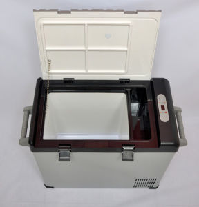 Portable Car Compressor Refrigerator 52liter DC12/24V with AC Adaptor (100-240V) for Outdoor Activity Use pictures & photos