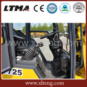 Ltma Small Wheel Loader with 0.48 M3 Small Bucket pictures & photos