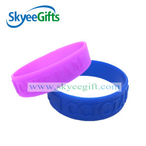 Pure Color Embossed Silicone Bracelets pictures & photos