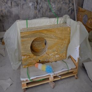 Gold Imperial Marble Stone Kitchen Countertop/Worktop/Vanity Top pictures & photos
