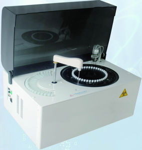 USD2899 Automatic Blood Chemistry Analyzer 200 Tests/H Fully Automatic Biochemistry Analyzer with CE pictures & photos