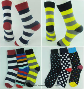 Hot Sale Custom Colourful Mens Socks pictures & photos