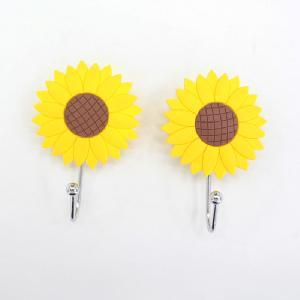 1 Set Yellow Sunflwer Shaped Plastic Hook Hanger pictures & photos