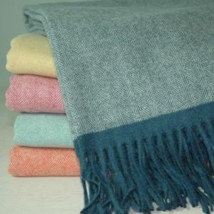 Super Soft Herringbone Lambs Wool Throw pictures & photos