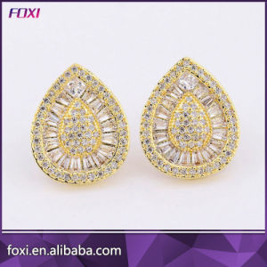 Elegant Designs Pave Setting Jewelry Cubic Zirconia Stud Earrings for Women pictures & photos