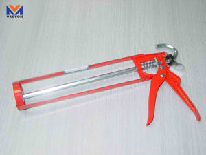 Skeleton Type Caulking Gun pictures & photos