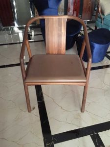 Chair/Foshan Hotel Furniture/Restaurant Chair/Foshan Hotel Chair/Solid Wood Frame Chair/Dining Chair (NCHC-002) pictures & photos