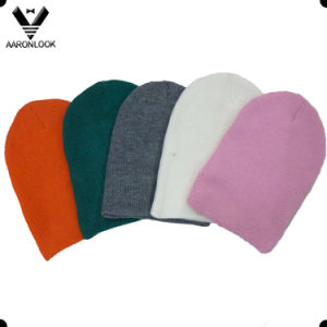 Hot Sale Stylish Simple Basic Acrylic Winter Knitted Beanie for Wholesaler pictures & photos