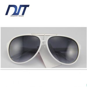 Polarized Sunglasses Fashionable Sunglasses Gray Lens Sunglasses Metal Sunglasses pictures & photos
