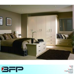 Customzied Wardrobe with Drawer Bedroom Furniture pictures & photos