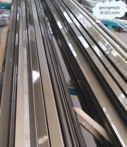Chanpagne Aluminium Extrusion Profile for Windows Doors Industry pictures & photos