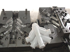 Four Way Pipe Fitting Mould pictures & photos