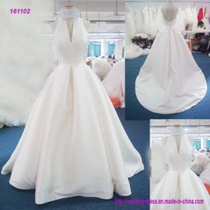 161102 Factory Wholesale V-Neck Halter Backless A Line Wedding Dress with Sweep Train pictures & photos