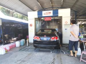 Automatic Conveyorized Car Cleaner/ Car Washer pictures & photos