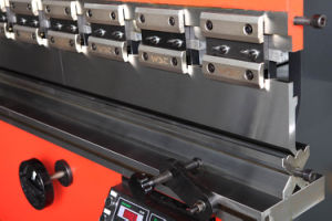 Ce Certificated CNC Hydraulic Press Brake (WC67Y-63TX2500) pictures & photos