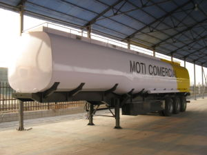 Huawin Tri-Axle 40, 000liters Fuel Tanker Semi Trailer pictures & photos