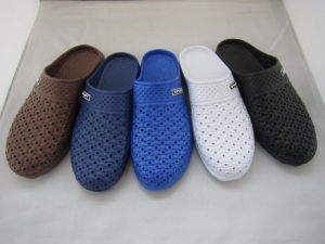 High Quality EVA Men Clog Shoes (TNK24426) pictures & photos